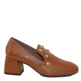 Zapato piel con tacón bajo ancho de Wonders.