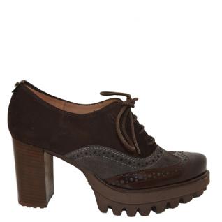 Zapato combinado con cordones de Pedro Miralles.